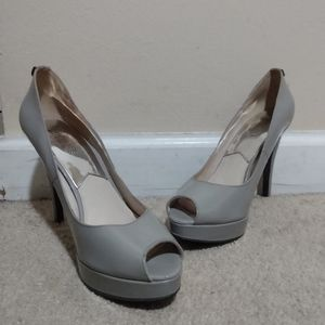 Michael Kors MK Gray Patent Leather Heels Size 9
